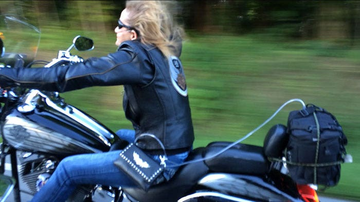 Annette riding her Harley Davidson Deuce on 5 liters of oxygen with the Respironics EverGo